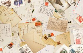 Viele Briefe und Postkarten